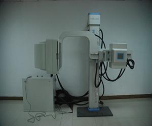 C型臂X摄片机.jpg